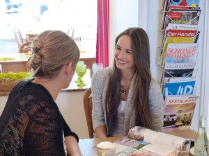 Ela T. im Interview mit Chefredakteurin Hannah Welp