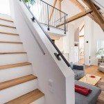 Die Treppe nach der Altbausanierung