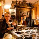 Fürstenberg: Kaffee-Pause in der schönen Hotelhalle