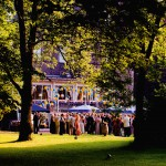 Fürstenberg: Garten und Parkanlage von Schloss Hugenpoet bieten den passenden Rahmen zum Feiern –da werden Sommernachts-Träume wahr