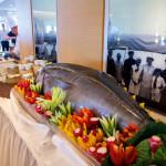 Gigantisches Meeresgetier bereichert allabendlich das Büfett im Yacht-Club der MS EUROPA 2