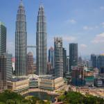 Nächster Halt mit der MS EUROPA 2: Kuala Lumpur, Millionenhauptstadt Malaysias mit seinem Wahrzeichen, den gigantischen Petronas Towers