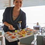 Zum Sundowner im Yacht Club gehören kleine Köstlichkeiten, die Appetit auf mehr machen. MS EUROPA 2