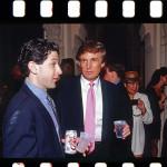 Models, Mächtige und Millionäre feiern bei Donald Trump in Palm Beach rauschende Feste. Auch im Februar 1993. Da ist der heutige TOP-RUHR-Her-ausgeber Ralf Schultheiß mit seiner Kamera dabei.