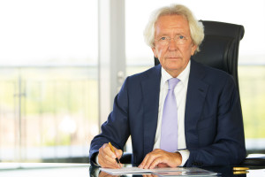 Dr. Stephan Holthoff-Pförtner aus Essen ist als Nachfolger von Hubert Burda der neue Präsident des Verbandes der Deutschen Zeitschriftenverleger