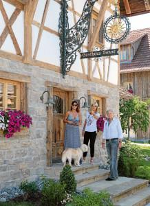Dörfle Kleinaspach: Karin Endess zu Besuch im Dörfle bei Andrea Berg und Uli Ferber