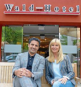 Beim Interview im Waldhotel: Babak Rafati und Karin Endress