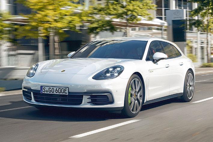 Top-Magazin-Stuttgart-Fruehjahr-2017-Neue-Autos-2017-Porsche-Panamera