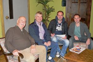 Karlheinz Hartmann, Albin Braig und Bastian Braig im Gespräch mit top magazin-Redakteur Boris Mönnich (2.v.re)