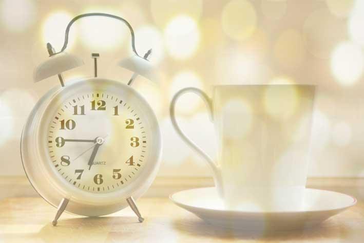 alarm-clock-2132264_1920-1