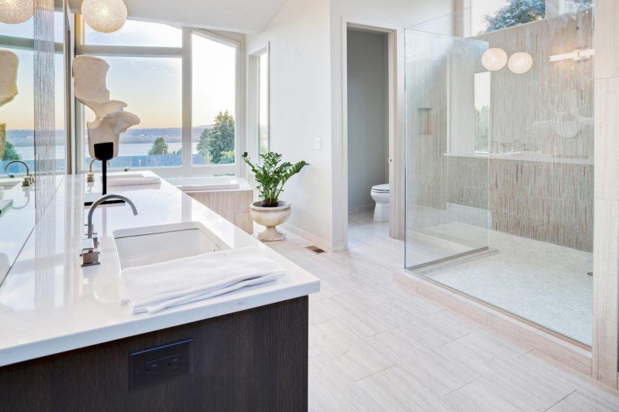 Das Badezimmer kreativ fliesen: Beratung direkt vom Fachhändler