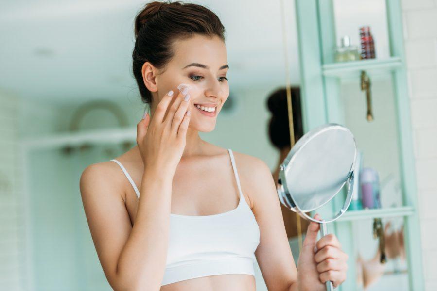 Trockene Haut gesund pflegen – mit den passenden Gesichtscremes!